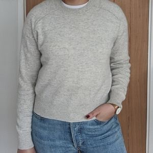 Aritzia Gray 100% cashmere sweater